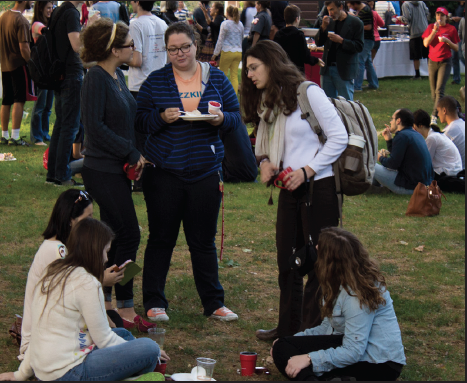 Students enjoy the Dining Service's barbeque for Charter.
