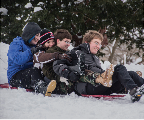 Students+play+in+the+fresh+snow+after+one+of+a+few%0D%0Arecent+snowfalls+that+covered+Dickinson%E2%80%99s+campus.