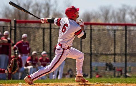 Baseball Splits Double-header with Washington