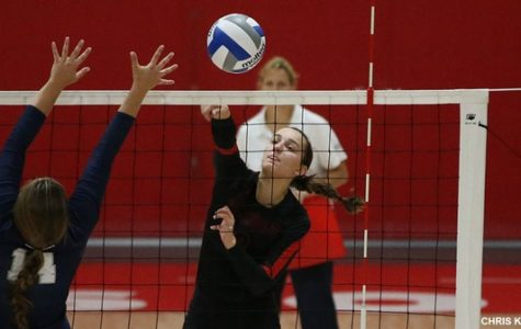 Volleyball Splits Rowan Invitational