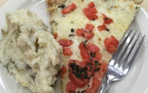 Caf Review: Tomato Basil Pizza & Mashed Potatoes