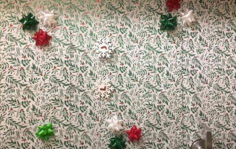 Crafting Cornor: Holiday Dorm Door