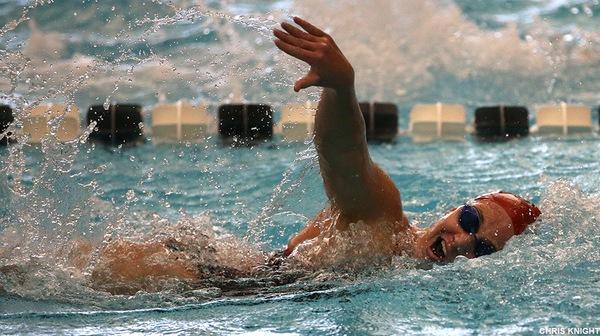 Women's Swimming Suffers Defeat at Washington