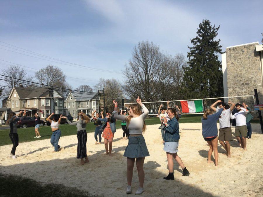 Balli di Gruppo Brings Italian Summer to Campus
