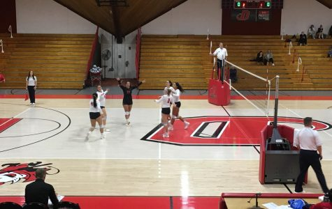 Volleyball Tops Bryn Mawr, Falls to Lycoming