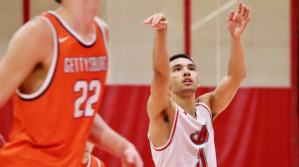 Men's Basketball Tops Gettysburg, Falls to Washington College
