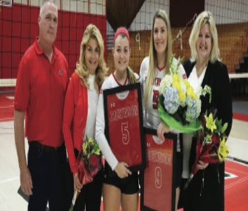 Volleyball Hosts Senior Day against Haverford, Misericordia